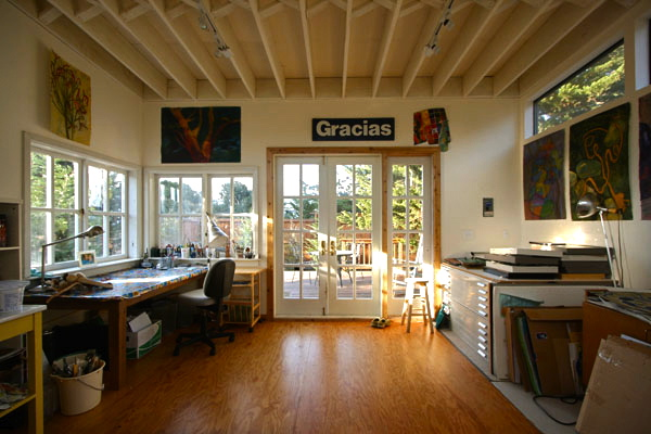 Heirloom hand built art studios little house on the trailer Home art studio interior design ideas